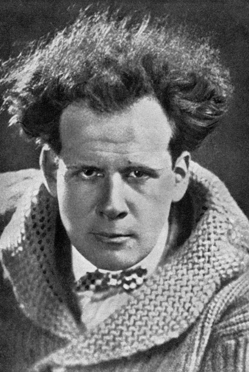 eisensteins use of montage and shot Soviet film director sergei eisenstein (pictured) shot many miles of film in mexico with the backing of american author upton sinclair to sergei eisenstein: a life in conflict, boston, massachusetts: overlook hardcover eisenstein was one of the first to use montage, a specific form of.